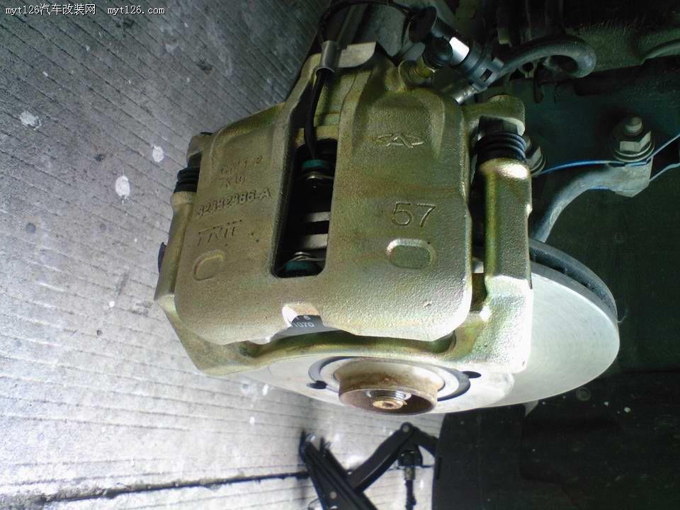 刹车盘用桑塔纳2000型的原厂盘