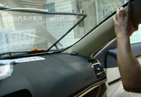 有加装dvd导航+倒车影像的,有加装泠凝器口罩的,有加装地线,加装整流