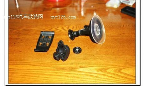 小创意大用途 夏利车主手机改行车记录仪高清图片