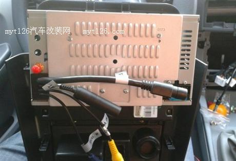 v3菱悦加装dvd导航一体机,后排喇叭及低音炮