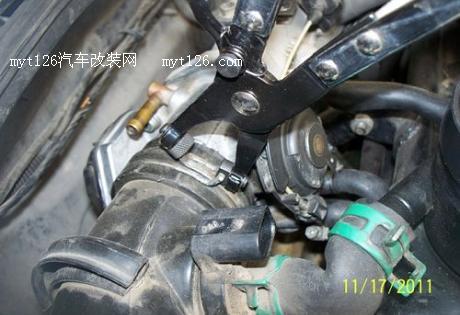 捷达刹车片更换步骤图