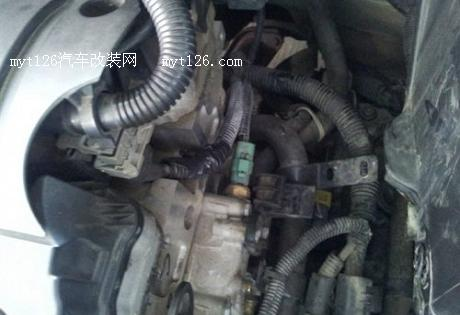 防患自燃 标致307更换线束套 高清图片