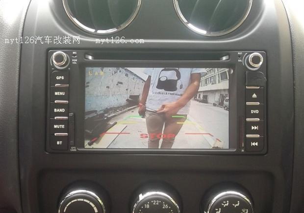 指南者安装行影通车载dvd导航一体机作业