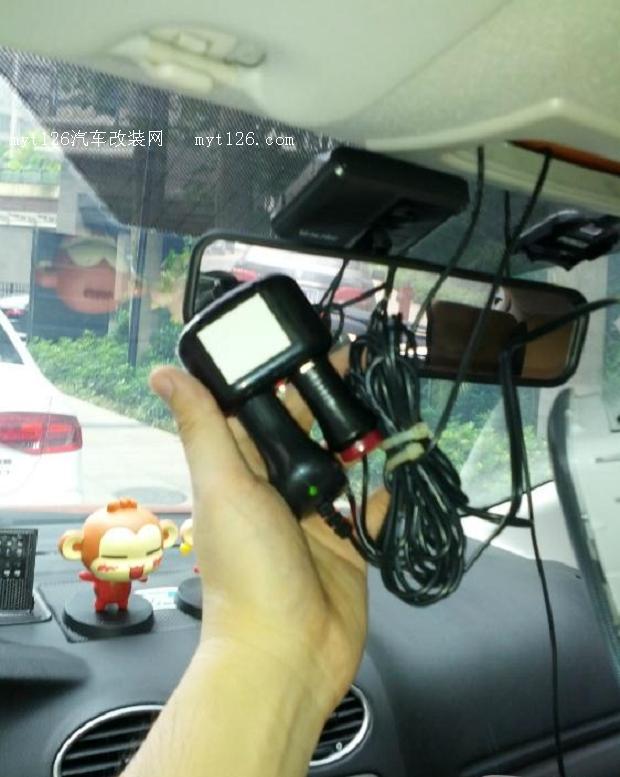 福克斯DIY加装行车记录仪 电子狗高清图片