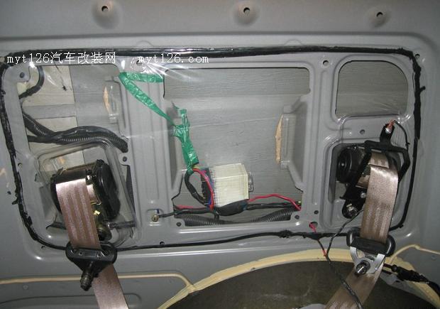 汽车门边触点开关与顶灯电路图