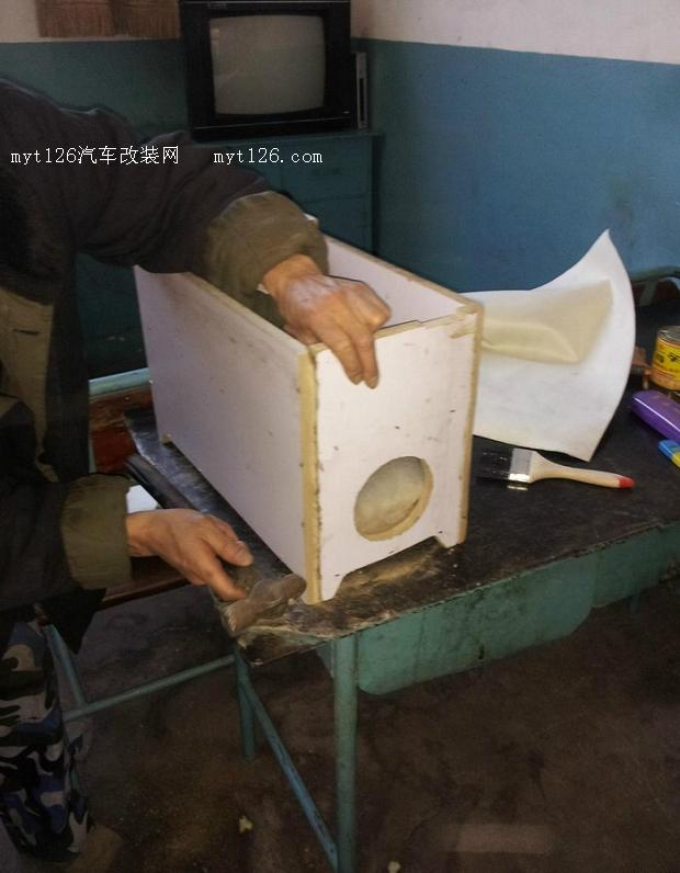 五菱宏光专用扶手箱 五菱宏光扶手箱价格 五菱宏光1.4舒适高清图片
