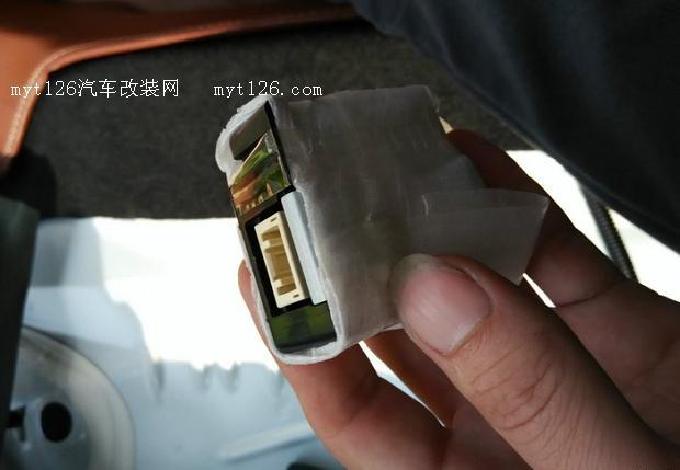 威驰加装遥控器和接收盒详细作业高清图片