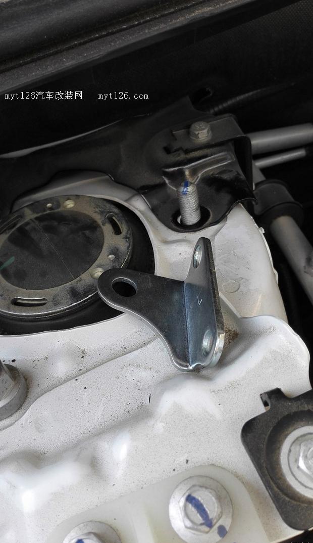 比亚迪宋引擎盖液压支撑图片