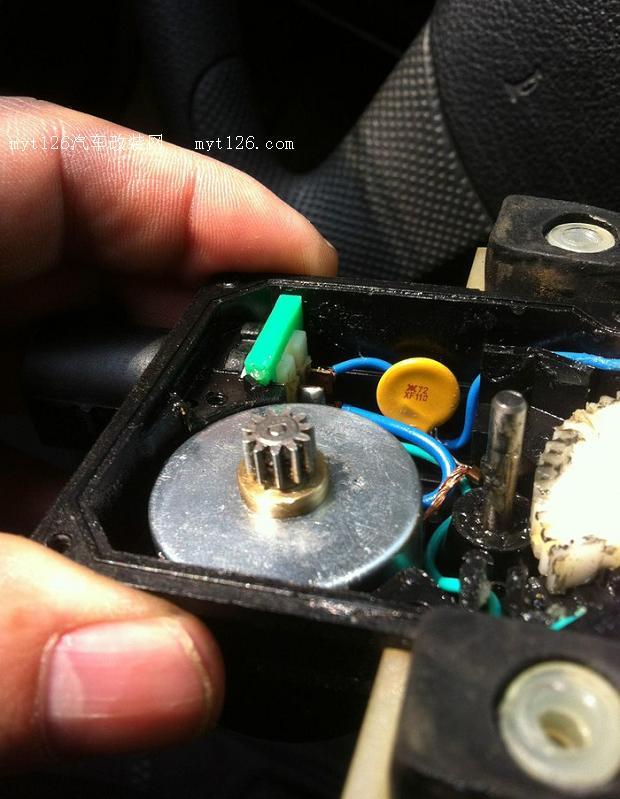 自己动手修理志俊车门闭锁器