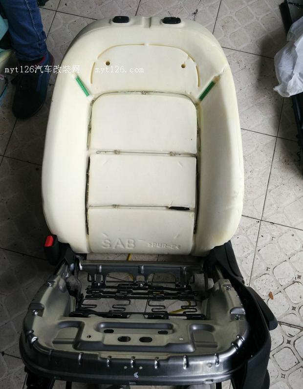起亚K3加装座椅真皮高清图片