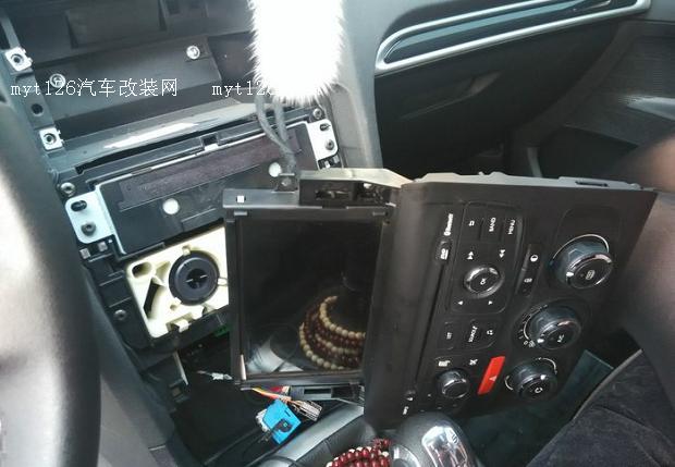 雪铁龙c4l开通原车倒车影像加原车位置摄像头
