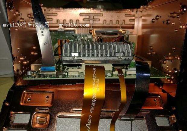 帝豪gs原车音响改飞歌安卓g8导航