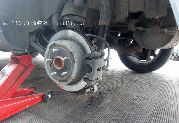 奇瑞瑞虎更换刹车片 - - myt126汽车改装网
